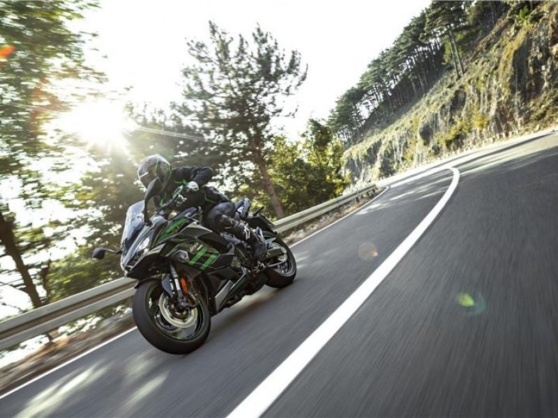 Kawasaki Ninja 1000SX Tourer ZX1002KMFAN GN1 2021