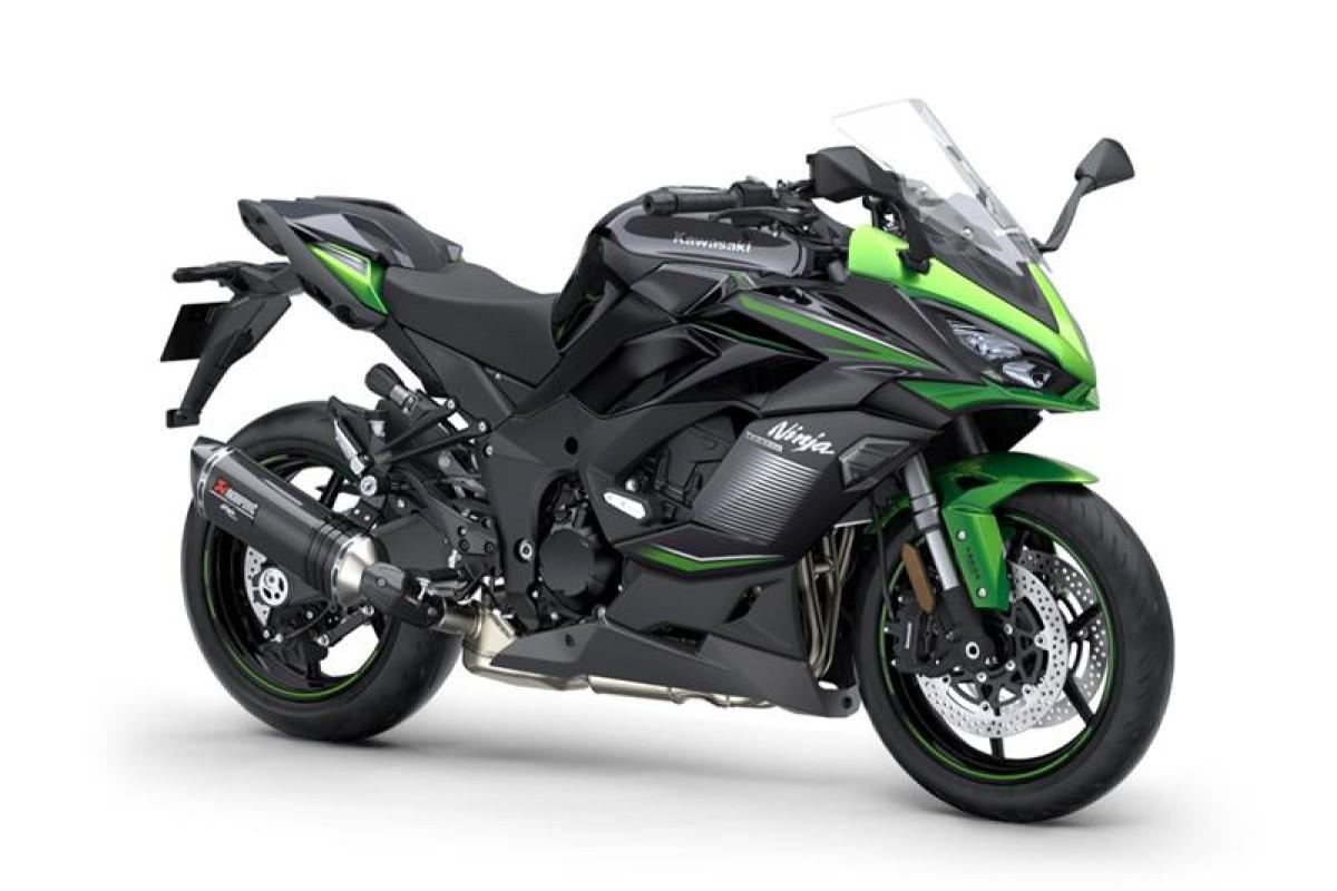 Emerald Blazed Green / Metallic Diablo Black / Metallic Graphite Grey Ninja 1000SX Performance Edition