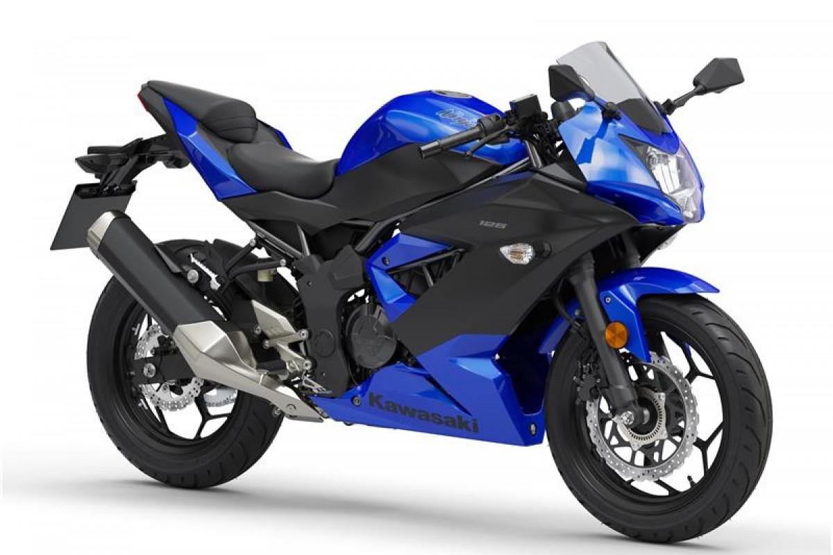Candy Plasma Blue / Metallic Flat Spark Black Ninja 125