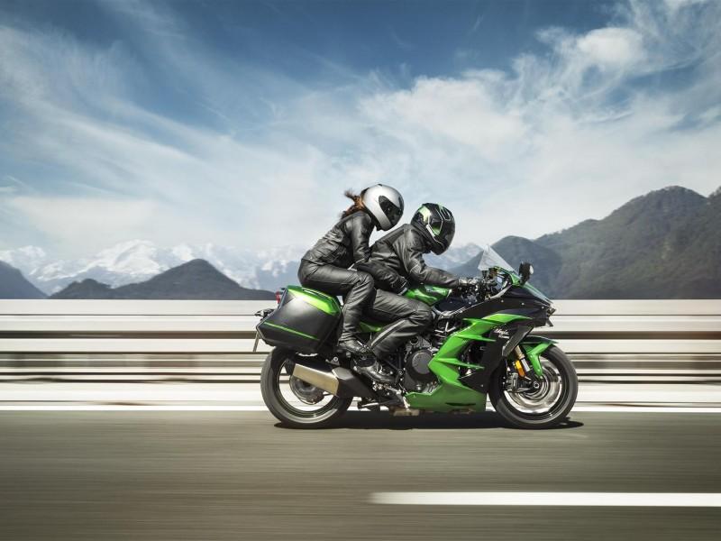 Kawasaki Ninja H2 SX SE Performance Tourer 69 plate 2019