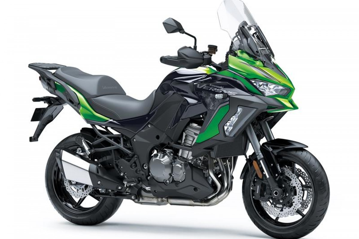 Emerald Blazed Green / Metallic Diablo Black / Metallic Flat Spark Black GN1 Versys 1000 S KLZ1000EMFNN