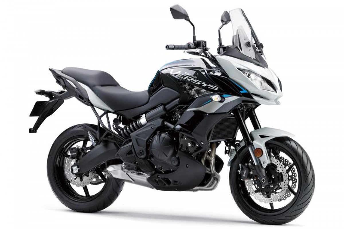 Pearl Blizzard White / Metallic Spark Black Versys 650