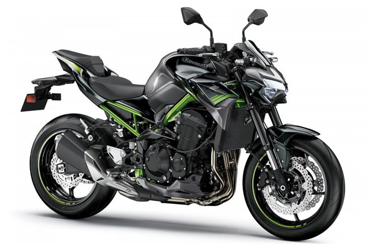 Metallic Graphite Grey / Metallic Spark Black Z900