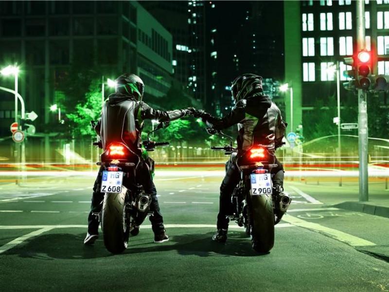 Kawasaki Z900 ZR900FMFNN BK2 2021