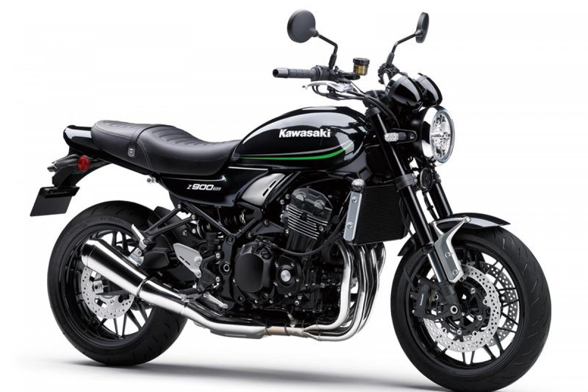 Metallic spark black (available April 2021) Z900RS ZR900KMFNB BK1