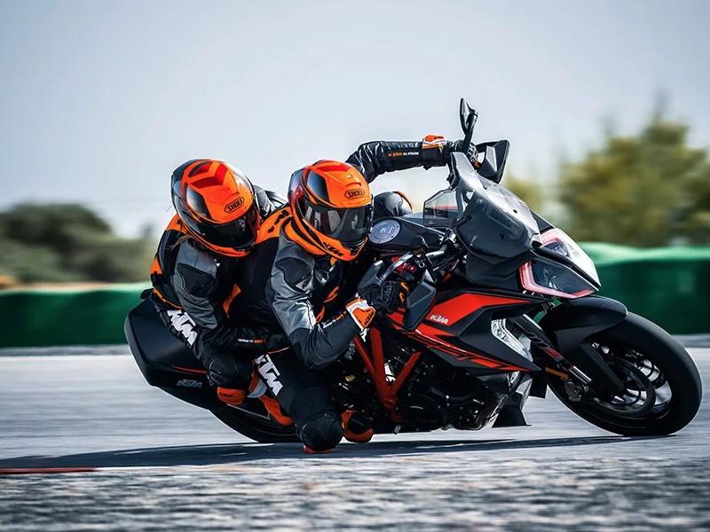 KTM 2021 1290 Super Duke GT 2021