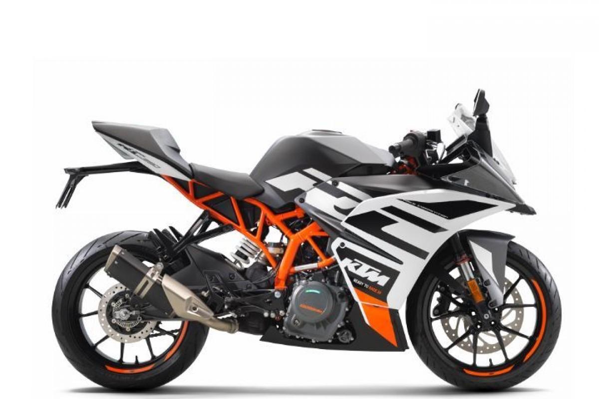 Black 2020 KTM RC 390
