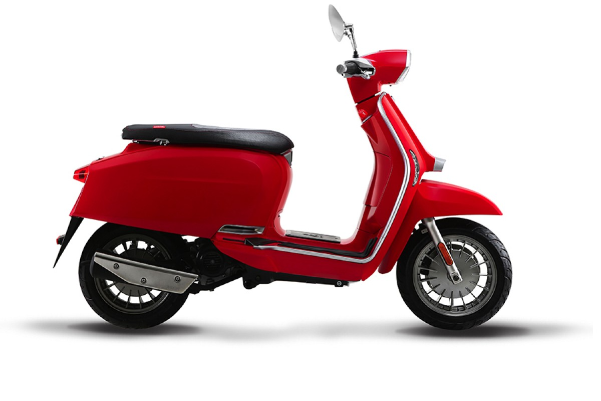 Red Flex Fender V 50cc Special E5