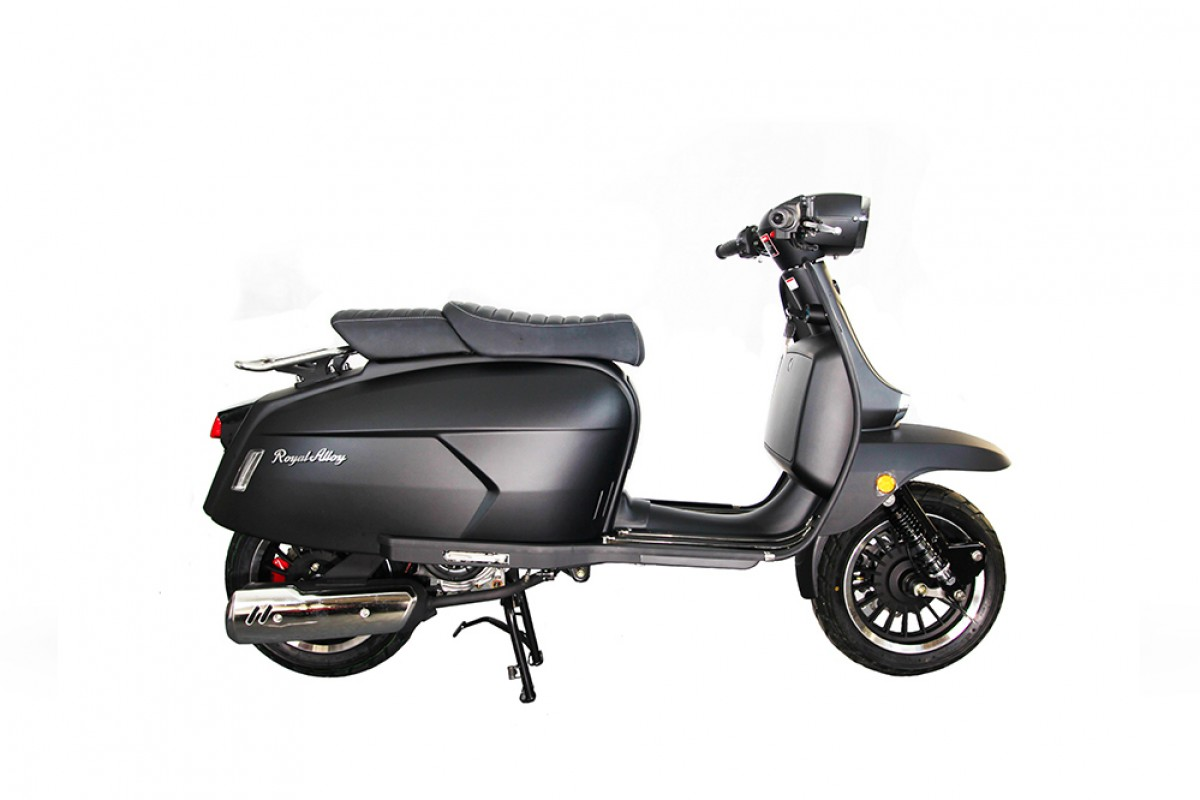 Matt Black Very Low UK Stock GP 125cc AC