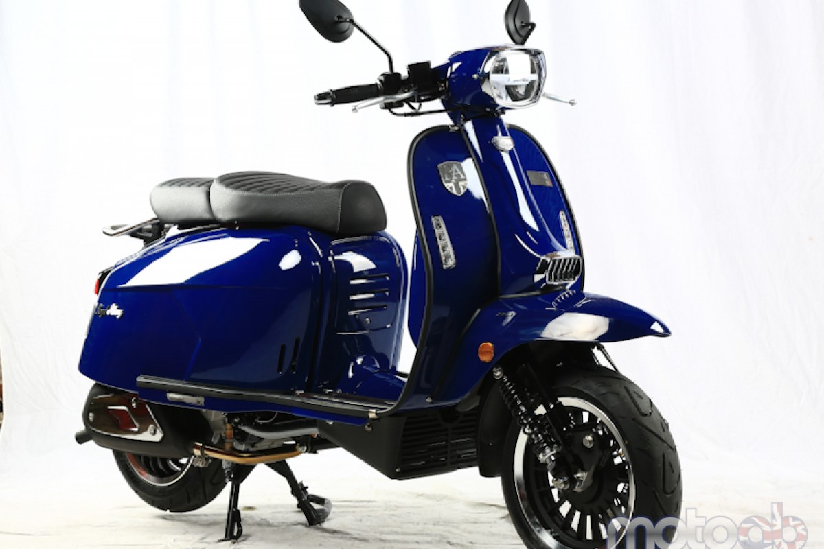 Metal Blue Very Low Stock GP 300cc LC ABS