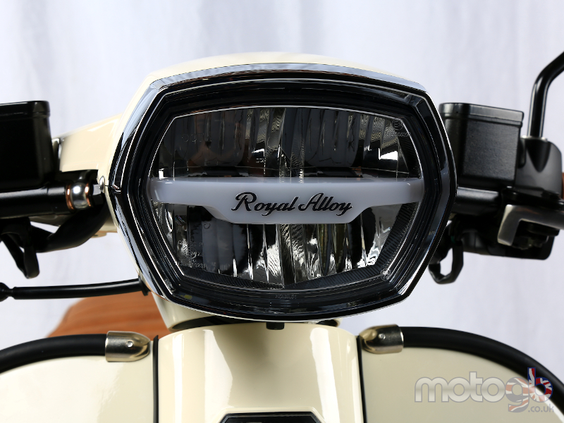 Royal Alloy GP 300cc LC ABS 2020
