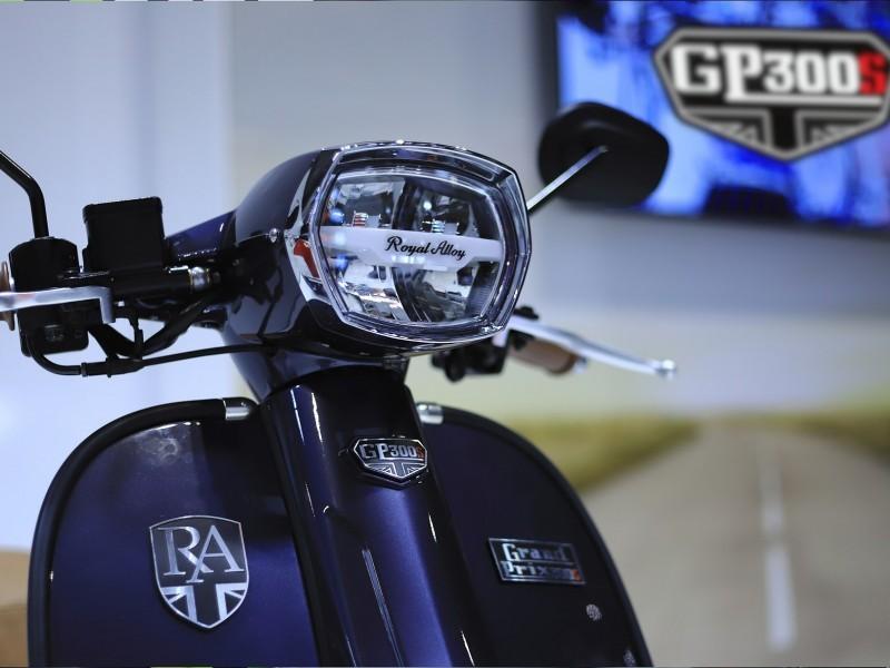 Royal Alloy GP 300 S LC ABS E4 2020