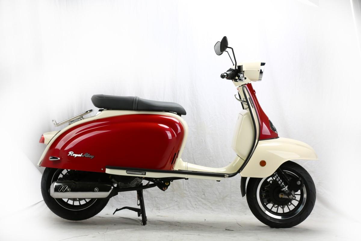 Burgundy Red - Ivory TG 125cc AC CBS