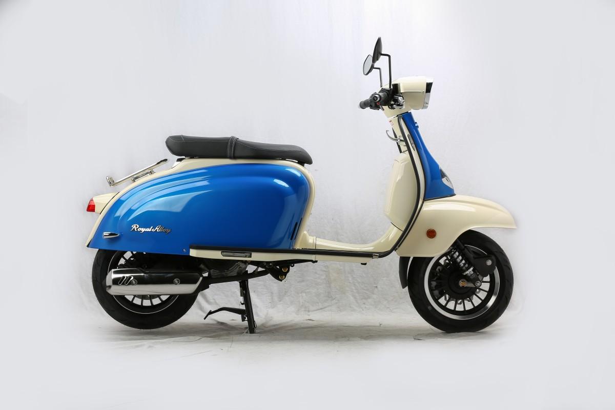 Ultra Blue - Ivory TG 125cc AC CBS