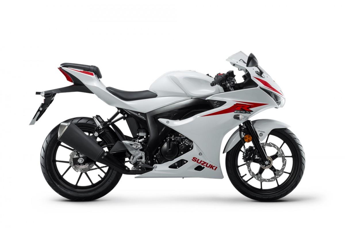 White GSX-R125