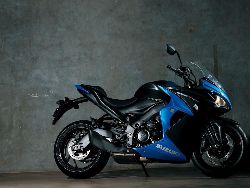 Suzuki GSX-S1000F 2021