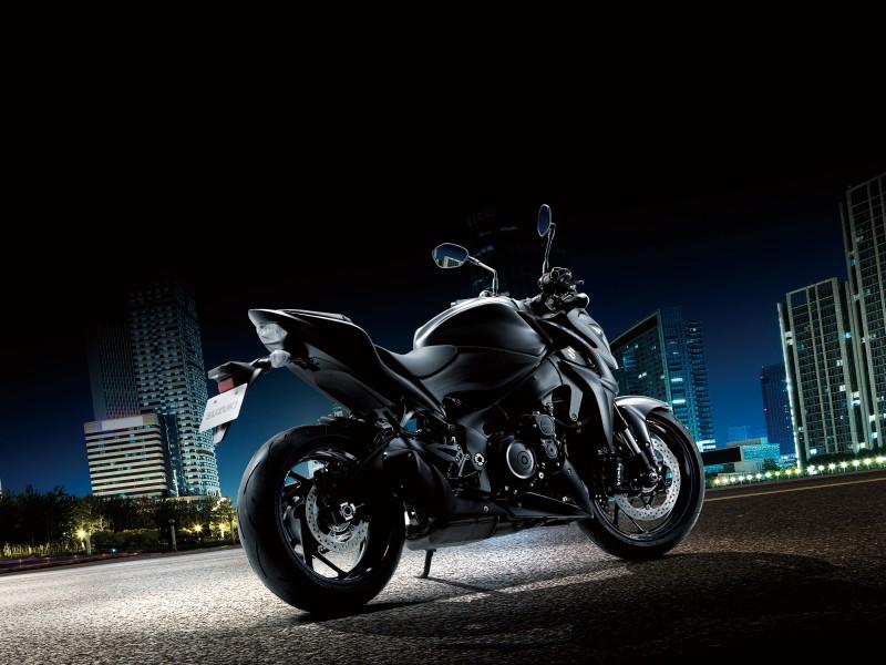 Suzuki GSX-S1000Z 2019