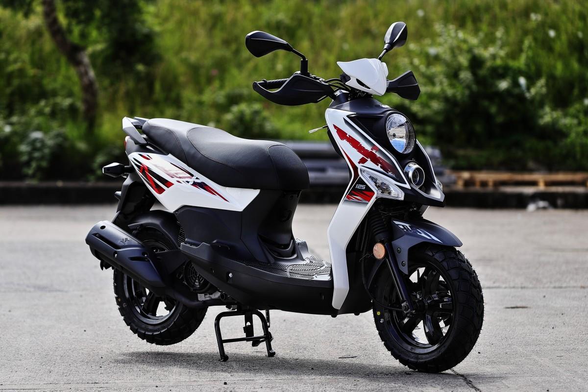 White Crox 125cc AC