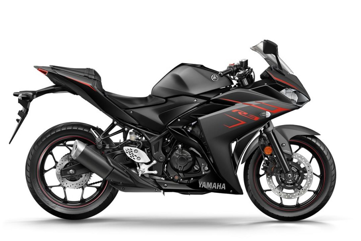 Power Black YZF-R3 '17