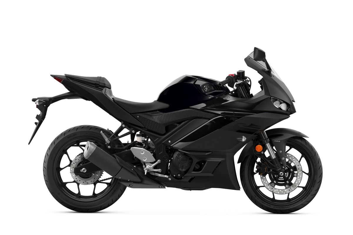 Midnight Black YZF-R3