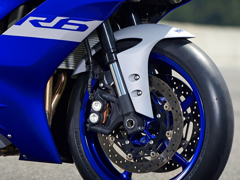 Yamaha YZF-R6 RACE 2021